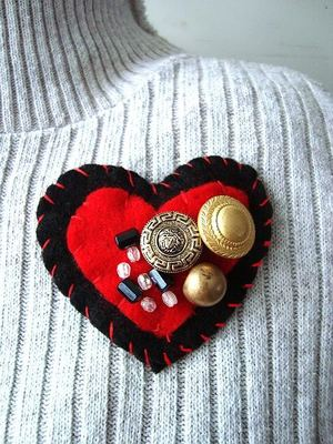 Felt Heart Brooch or Pendant Necklace