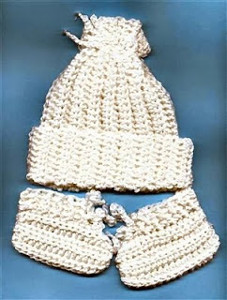 If you want to make an Easy Crocheted Newborn Baby Hat and Booties 8de0a687737