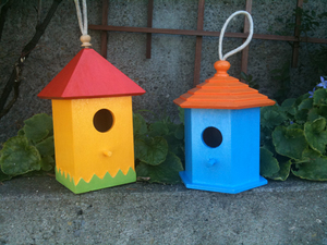 Easy Painted Birdhouses