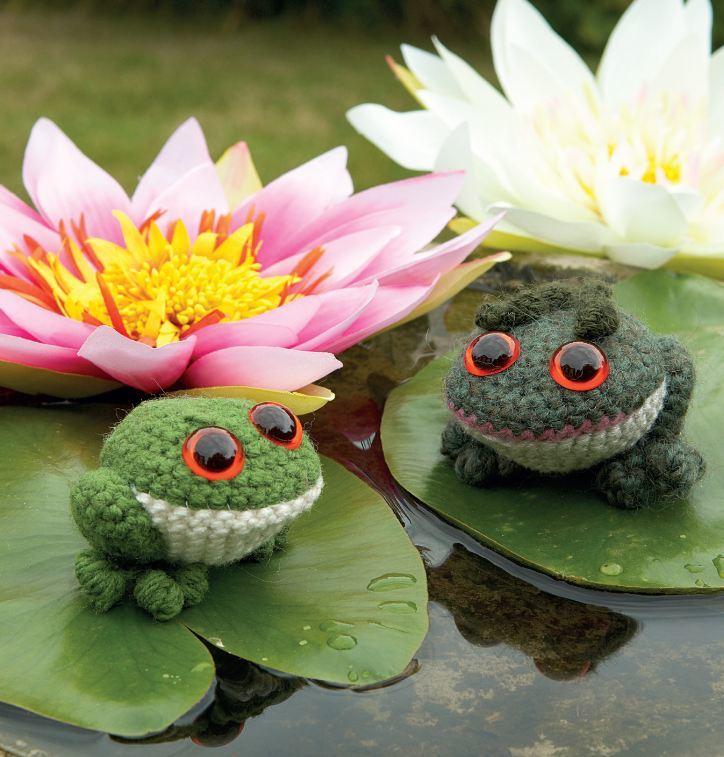 Gary the Tiny Frog Crochet Amigurumi Pattern – Shiny Happy World | 757x724