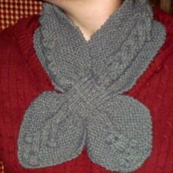 Knitting Pattern Ascot Scarf : Bobble Cable Ascot AllFreeKnitting.com