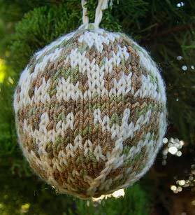 Knit Christmas Ornament