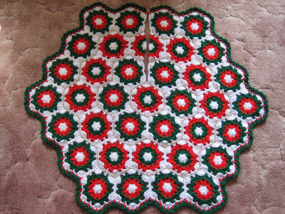 Crochet Christmas Tree Skirt Favecrafts Com