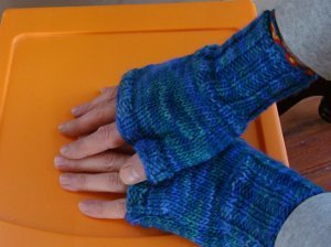 Knitting Pattern For Children s Mittens On Two Needles : Two Hour Fingerless Gloves AllFreeKnitting.com