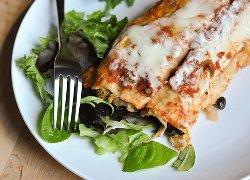 Easy Slow Cooker Black Bean Enchiladas | AllFreeSlowCookerRecipes.com