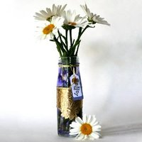 http://irepo.primecp.com/1002/56/145488/Easy-to-make-daisy-vase_Small_ID-469293.jpg?v=469293