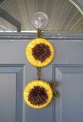 Double Sunflower Yarn Wreath