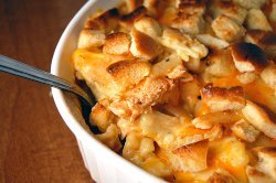 Buffalo Chicken Mac And Cheese Casserole