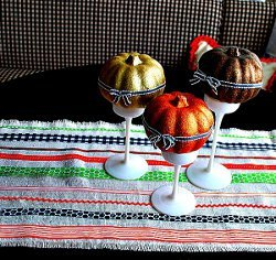 Easy Ribbon Table Runner for Halloween