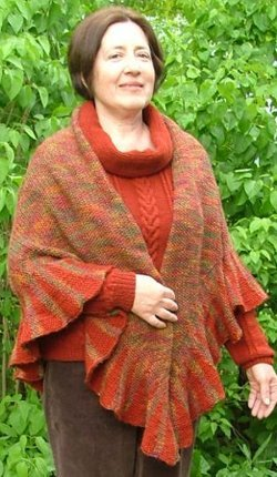 Free Knitting Pattern For Ruffled Shawl : Warm Ruffle Shawl AllFreeKnitting.com