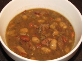 Slow Cooker Bacon Bean Soup
