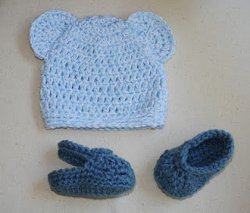 Baby Bear Hat & Crochet Crocs Sandals