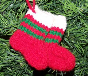 Knit Mitten Ornaments | FaveCrafts.com