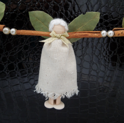 Cinnamon Angel Garland
