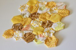 Mini Honeycomb Hexie Quilt