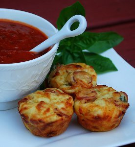 Easy Pepperoni Pizza Puffs