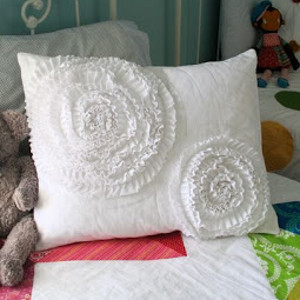 Spinning Ruffles Pillow Cover Allfreesewing Com