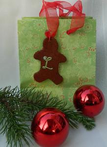 Cinnamon Applesauce Ornament | AllFreeChristmasCrafts.com