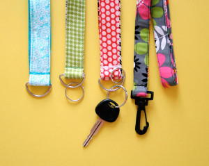 Super Easy Lanyard And Key Chain Wristlet Allfreesewing Com