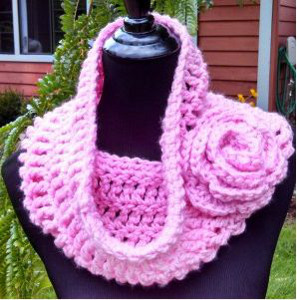 Flowered Crochet Cowl
