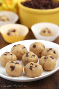Bakeless Chocolate Chip Cookie Dough Bites