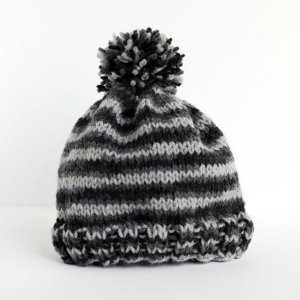 Knitting Pattern For A Toddlers Beanie : Essential Knit Hat Pattern AllFreeKnitting.com