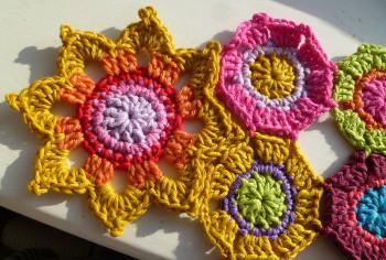 Japanese Flower Crochet Afghan Pattern : Japanese Flower Motif AllFreeCrochetAfghanPatterns.com
