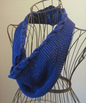 Braided Cowl Knitting Pattern : Royal Braided Cowl AllFreeKnitting.com