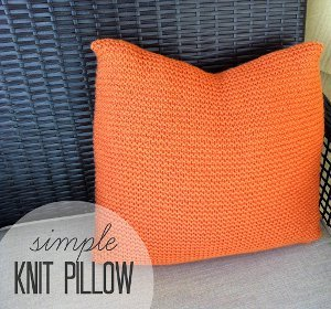 Easy Knitted Cushion Patterns : Simple Knit Pillow Pattern AllFreeKnitting.com