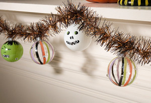 Frightening Halloween Garland