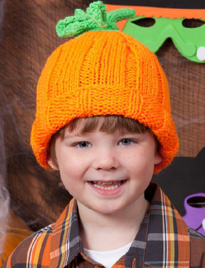 This easy Halloween knitting pattern will add some spooky spirit to your  outfits. Knit this Perfect Pumpkin Hat for some extra Halloween fun. dba86d1cf79