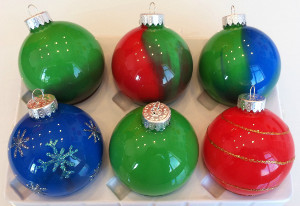 Elegantly painted glass ornaments for Painted glass ornaments crafts