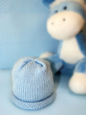 Knitting Patterns For Baby Clouds Yarn : Wandering Clouds Baby Knit Hat AllFreeKnitting.com