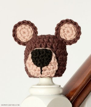 Baby Bear Beanie Crochet Pattern - Crochet it Creations | 350x299