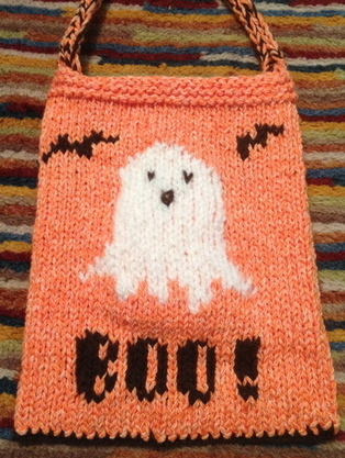 Halloween Knitting Patterns : Spooky Candy Bag AllFreeKnitting.com