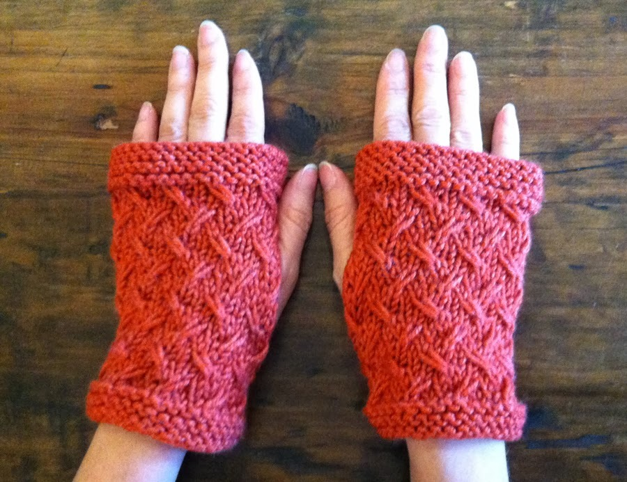 Loom Knit Fingerless Gloves Pattern : Wild Oats Fingerless Mitts AllFreeKnitting.com