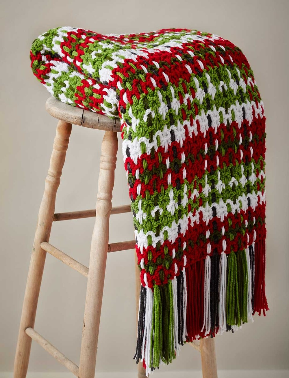 Crochet Pattern For Large Afghan : Contemporary Plaid Crochet Afghan Pattern ...