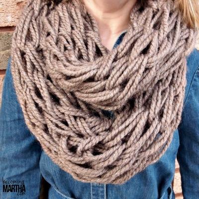 Quick Infinity Scarf Knitting Pattern : Fast Fashion Infinity Scarf AllFreeKnitting.com