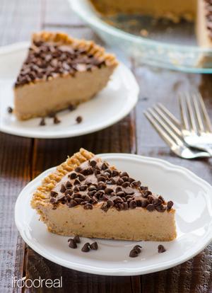 No-Bake Skinny Peanut Butter Pie | FaveHealthyRecipes.com