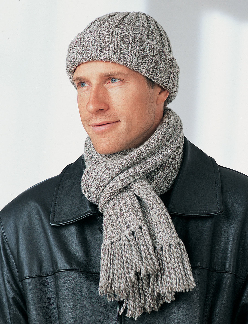 Men S Winter Hat And Scarf Favecrafts Com