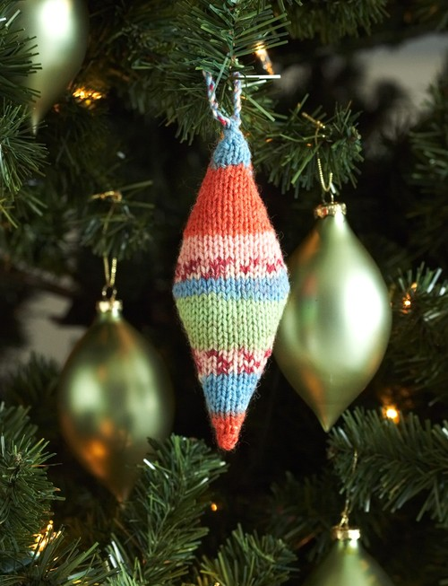 Alan Dart Toy Knitting Patterns : Colorful Christmas Ornaments AllFreeKnitting.com