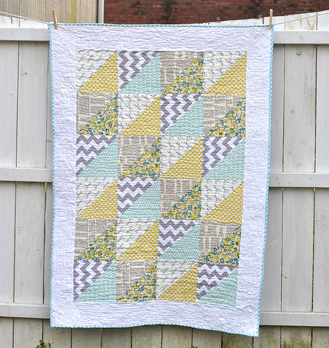 Quick Triangles Baby Quilt Favequilts Com