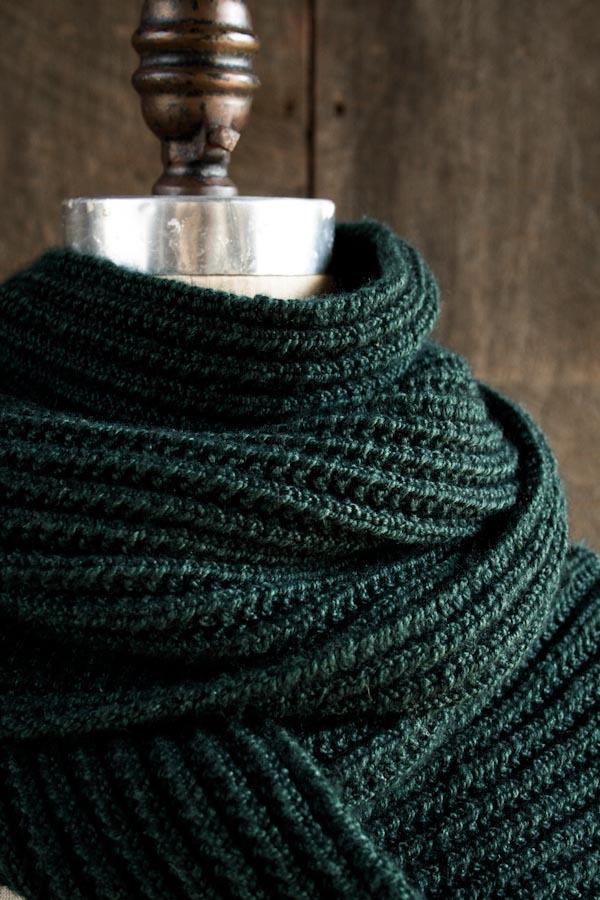 Knitting Stitches Ribbing Scarf : Lightning Fast Mistake Rib Scarf AllFreeKnitting.com