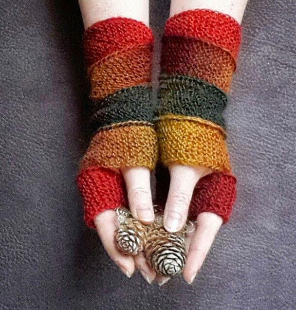 Cozy Autumn Fingerless Gloves | AllFreeKnitting.com