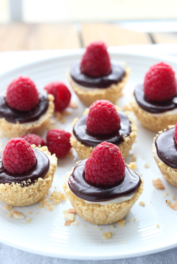 No Bake Mini Lemon Cheesecakes With Chocolate Ganache