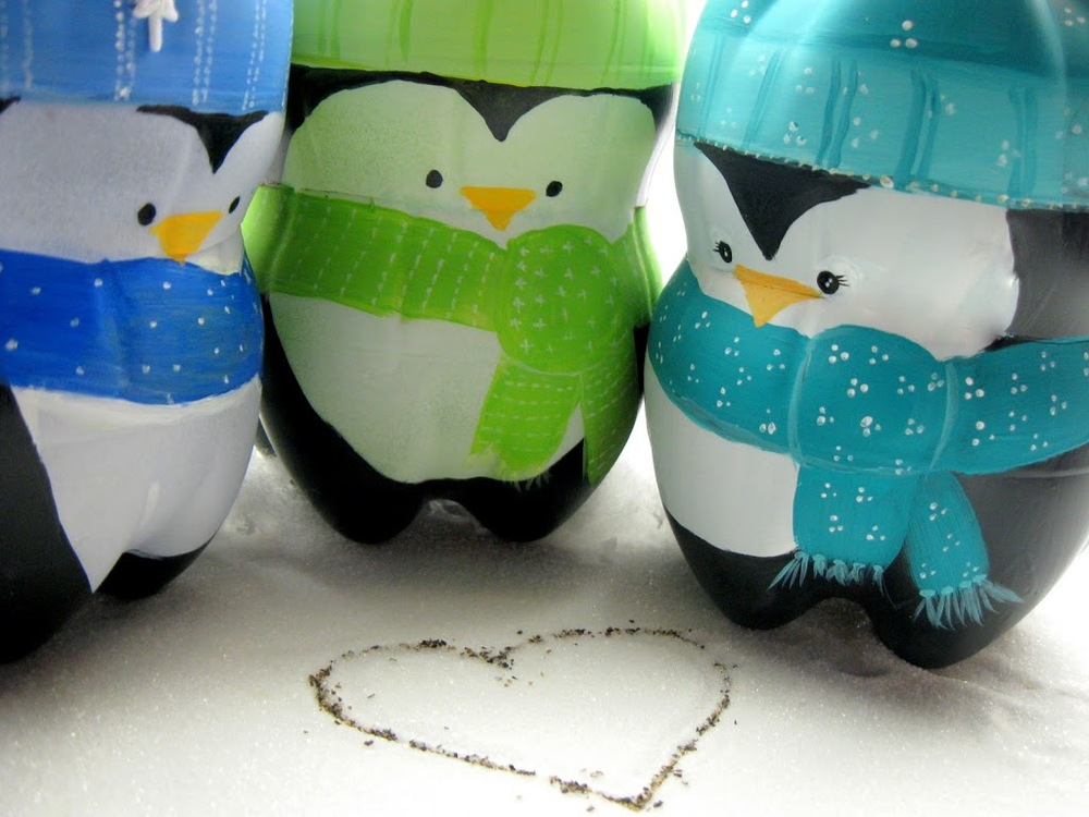 Recycled penguins easy christmas craft for Recycled crafts from plastic bottles