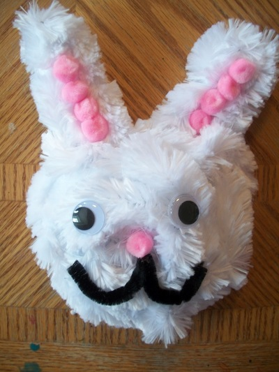Pipe cleaner easter bunny for Easter crafts pipe cleaners