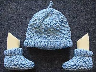 Two Needle Blocks Baby Booties