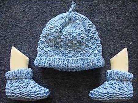 Two Needle Blocks Baby Booties  85b35ab5420
