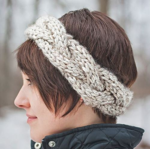 Headband Knitting Pattern In The Round : Spring Crown Headband AllFreeKnitting.com